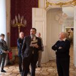 Master of Ceremonies: Wolfgang Strothe (mit Heft) zeigt seinen Vorstands-Kollegen die Räumlichkeiten. Der Wiener StB-Tag war der 25., den er organisiert hat –und sein letzter. Es geht in den Ruhestand.
