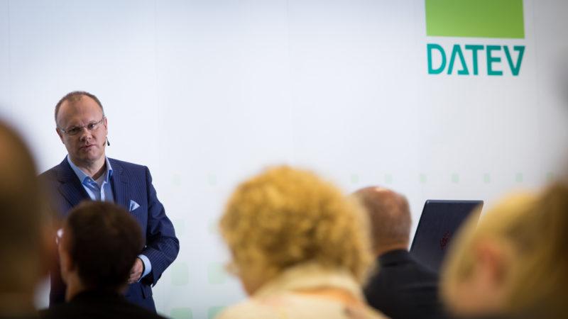 Datev Vorstandsvorsitzender Robert Mayr auf der Pressekonferenz Juni 2017