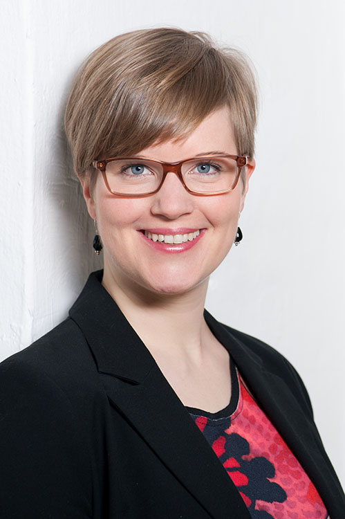Dr. Stefa Hirsch