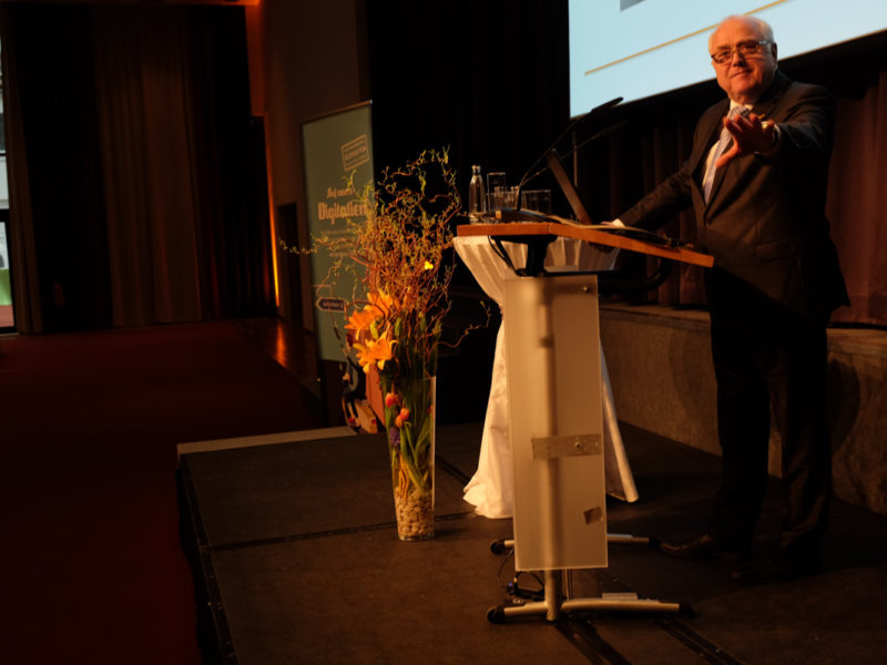 """DStV-Präsident Harald Elster im Recht: """"Herr Beckmann, Sie haben genug Fotos von mir."""""""