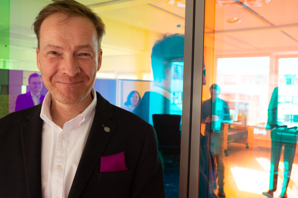 Nicolas Günzler bei der Podcast-Aufzeichnung im Datev Lab in Nürnberg