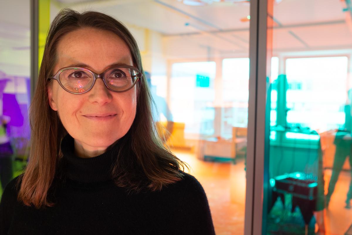 Nicole Hess bei der Podcast-Aufzeichnung im Datev Lab in Nürnberg